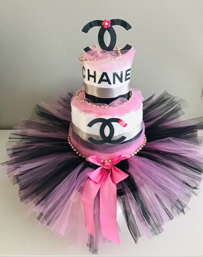 Eleganta pamperu torte Chanel