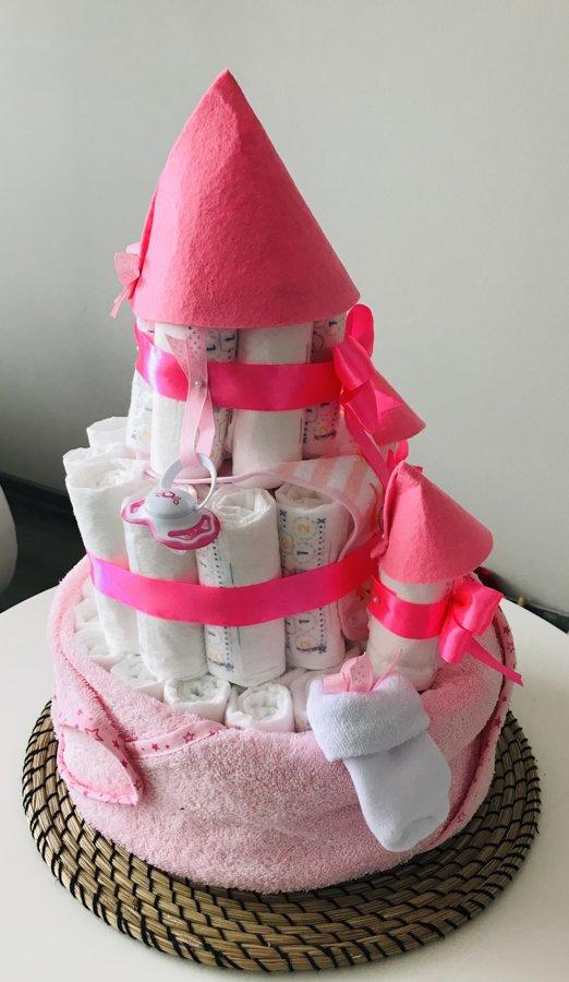 """Pamperu torte """"Pils mazai princesei"""""""