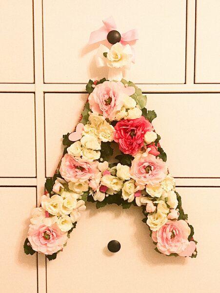 Ziedu dekors bērnu istabai Burts un Cipars
